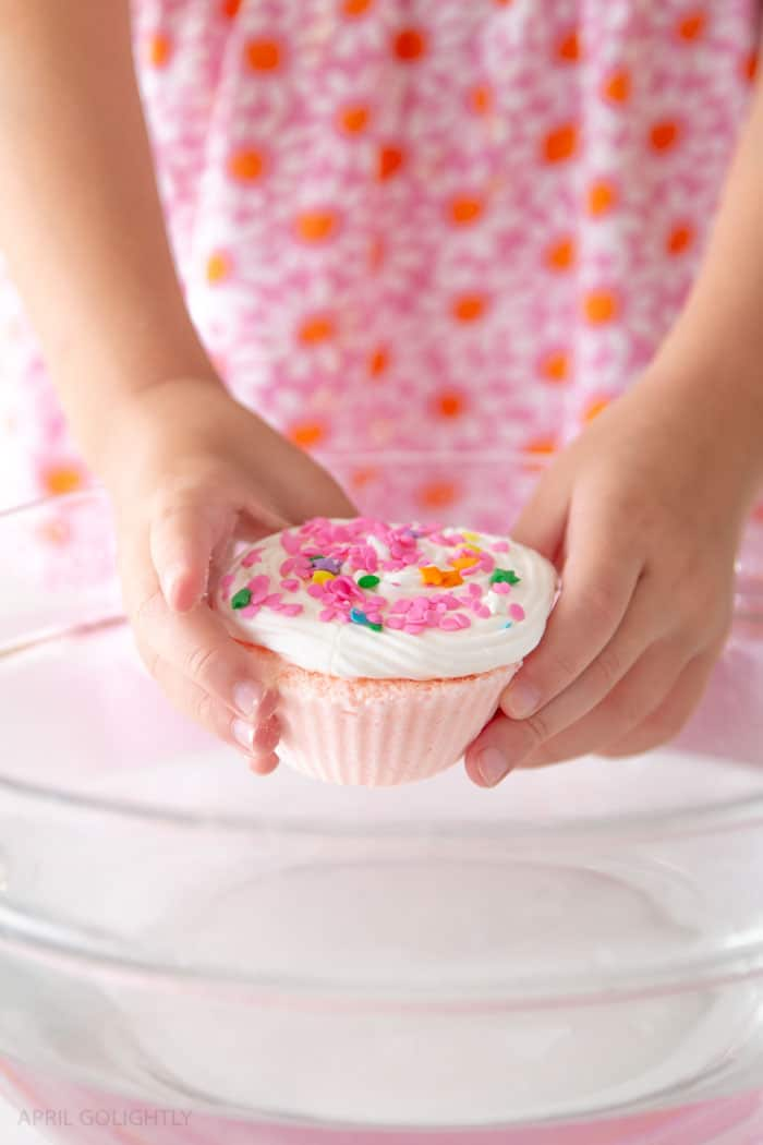 Do It Yourself Cupcake Bath Bombs inspired by I Can Read Books Level 1 - Pinkalicious and the Cupcake Calamaity for Kindergarteners learning to read.