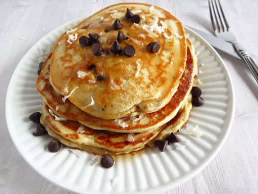 blueberry-coconut protein pancakes
