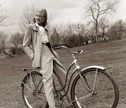 women-and-bicycles-40s-7-1024x886