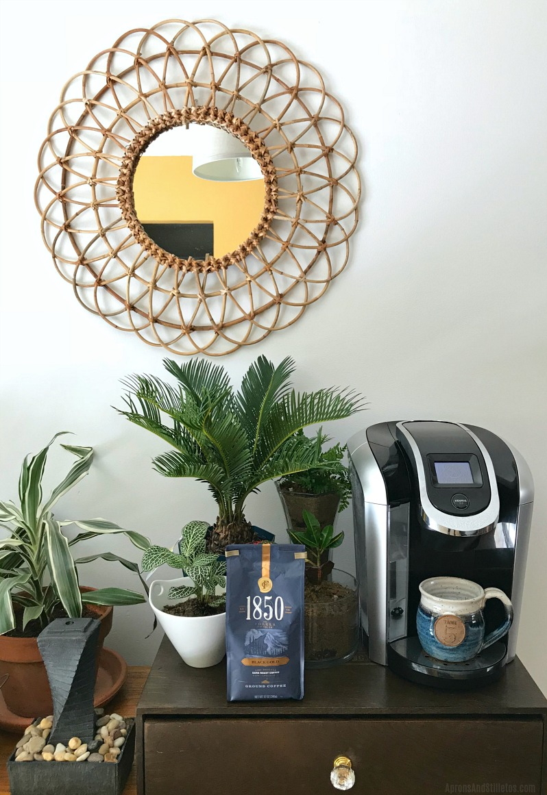 7 EASY STEPS TO REFRESH YOUR COFFEE BAR + MY MORNING ROUTINE