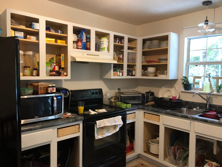 Easy Kitchen Makeover on a Budget