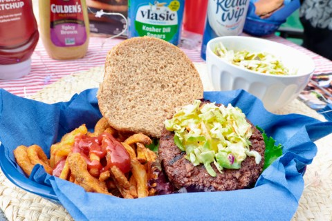 Super Simple Meatless Meal for Your Memorial Day