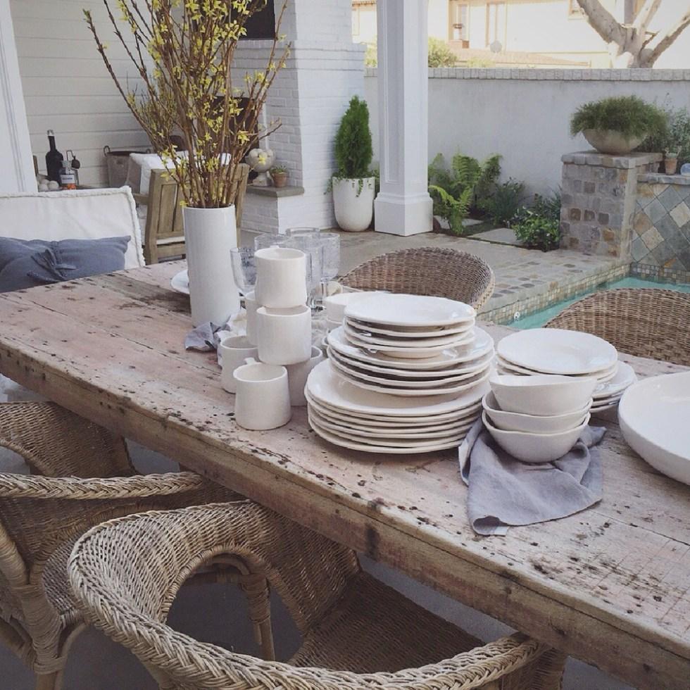 DISH-TABLE