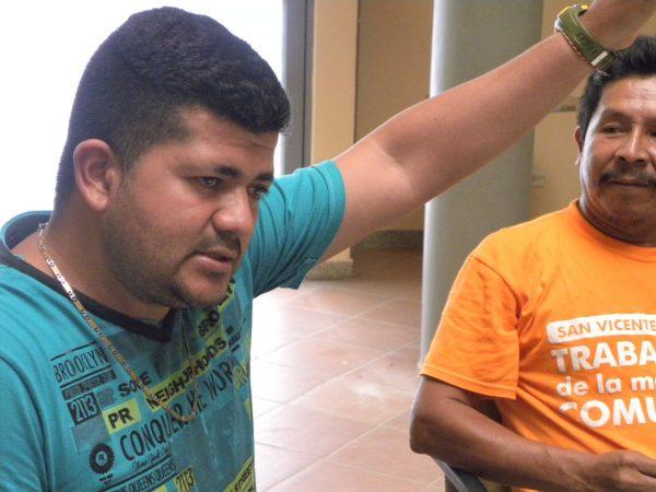 Angel Medina, presidente da UNIOS, que reúne movimento sociais. Para ele governo Santos cria mais conflito ao incentivar a exploração do petróleo. Foto: Natalia Orduz/Las 2 Orillas