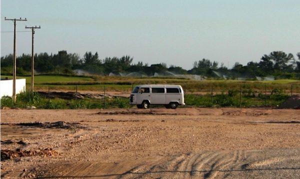 O Campo de Golfe Olímpico é irrigado 24 horas por dia enquanto vizinhos estão sem abastecimento de água. Foto: Anne Vigna
