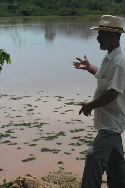 """""""Até hoje, não tem onde por uma pá de areia"""". Foto: Luiz Paulo Mairink"""