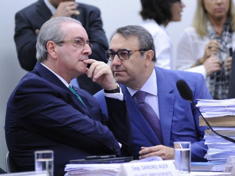 O deputado Eduardo Cunha (PMDB-RJ) e seu advogado, em depoimento ao Conselho de Ética da Câmara