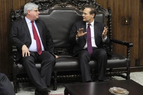 O presidente do Senado, Renan Calheiros (PMDB-AL), em encontro com o procurador-geral da República, Rodrigo Janot, em 2015