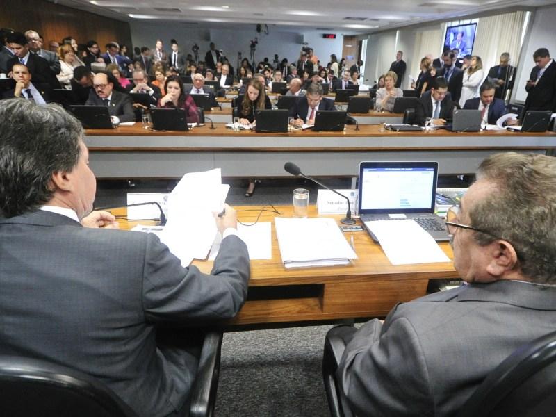 Comissão de Constituição, Justiça e Cidadania (CCJ) realiza reunião sobre a PEC 55/2016, que cria um teto para os gastos públicos