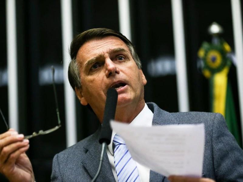 O deputado Jair Bolsonaro (PSL), em discurso durante eleição do presidente da Câmara dos Deputados, em 2017: dado sobre juros citado em plano de governo está correto