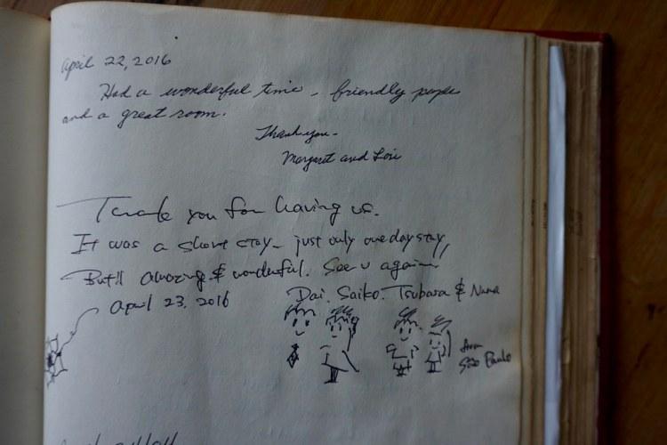 Libro de visitas del Hotel Cirilo Armstrong
