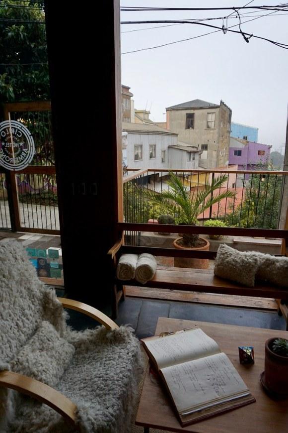 Recepción del Hotel Cirilo Armstrong