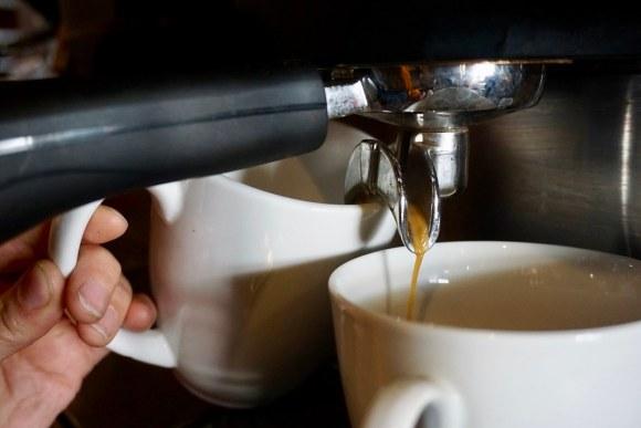 Preparando cafés