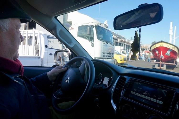César Pincheira llegando a Caleta Portales