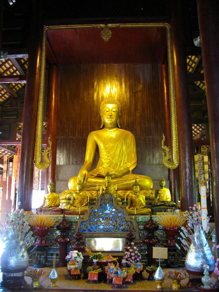 Buda en Wat Phan Tao