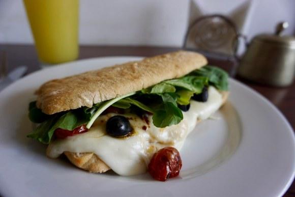 El queso de cabra es el principal protagonista del sándwich Entre Cerros