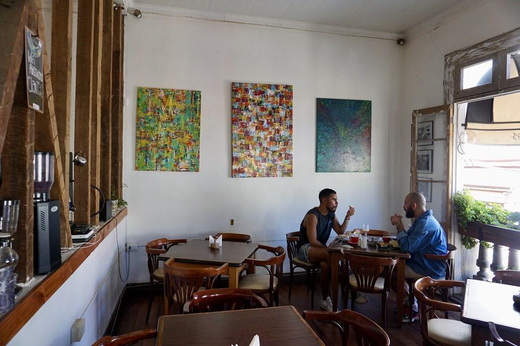 En cerro Alegre: Café Entre Cerros