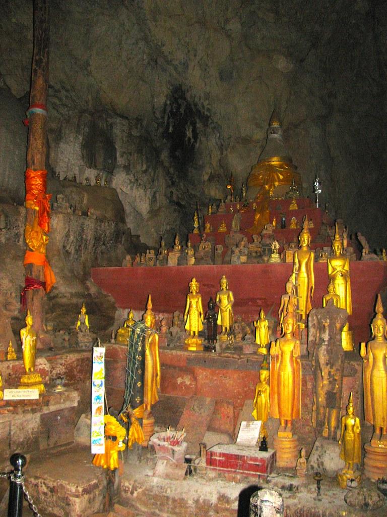 Altar dentro de la caverna superior