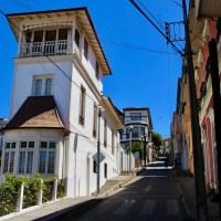 Ruta a pie por el cerro Alegre desde Plaza Sotomayor