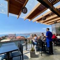 El Terrat del Taulat: Tapas y copas en una terraza en 360º sobre Valparaíso