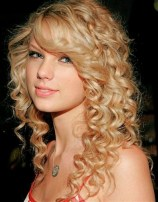 cool-curly-hairstyles-for-girls