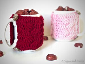 Easy Cabled Mug Cozy- Free Pattern