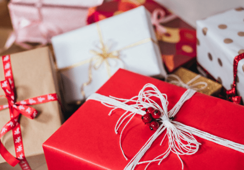 The Ultimate Guide for Christmas on a Budget (perfect for moms!)