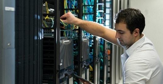perawatan server