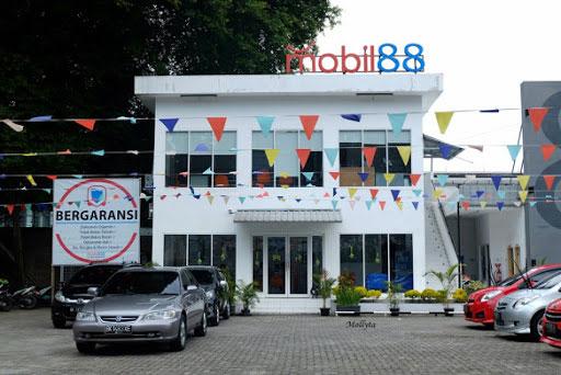 Showroom Mobil 88, member of Astra