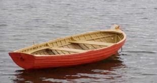 عائلة بريطانية تعيش على متن قارب