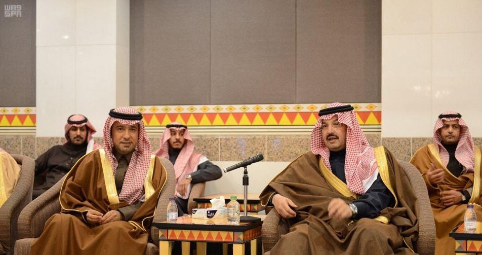 لقاء بين أمير عسير ووزير الإسكان
