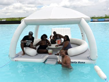 Lagoon Inflatable Pool