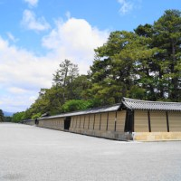In Kyoto of spring: Kyoto Imperial Garden, my lunch, and Sanjusangendo Temple.