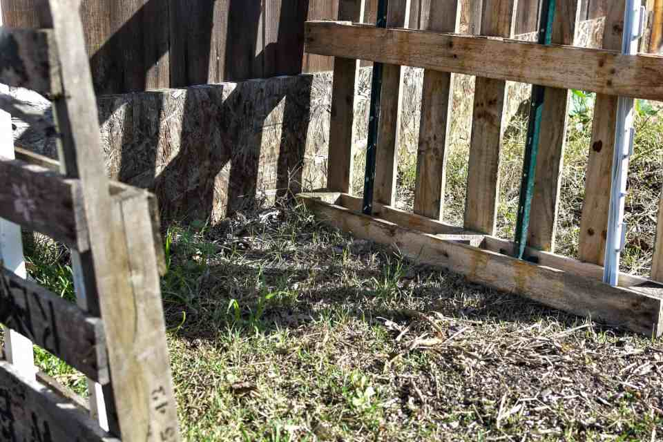 how to make compost area