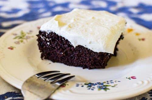simple chocolate cake with Butter Cream frosting