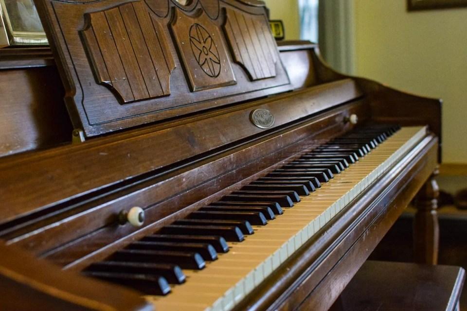 showing a piano in a homeschool