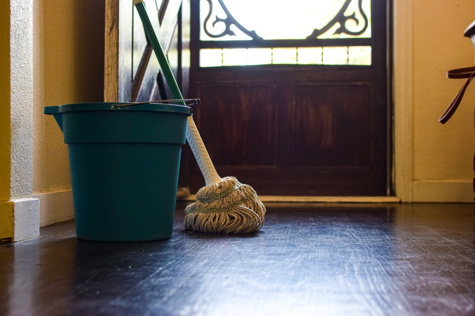 diy natural floor cleaner with mop and bucket