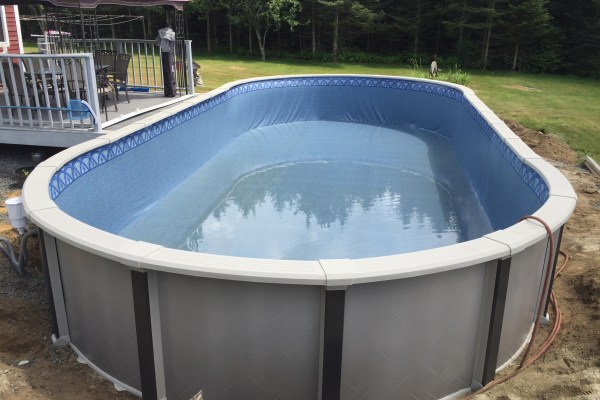 18x40 Quantum Aqua Leader Built By Aquarian Pool and Spa Medway ma