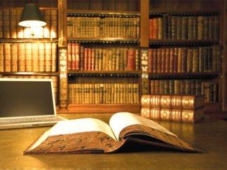 375059-BooksPHOTOSCREATIVECOMMONS-1336339168-934-640x480