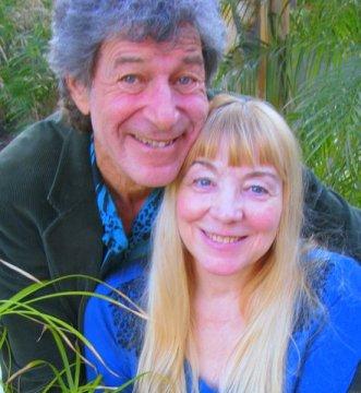 Janet & Dr. Sasha CloseUpHug_IMG_0972