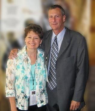 Scott & Suzanne (Formal A BckGrd Blrd)