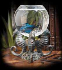 http://3.lushome.com/wp-content/uploads/2012/09/water-tank-aquarium-modern-interiors-8.jpg