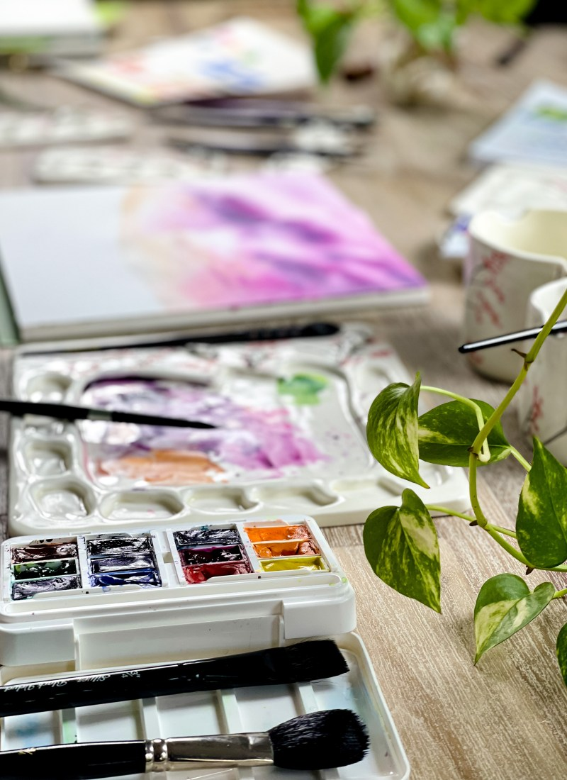 watercolor supplies paints and brushes