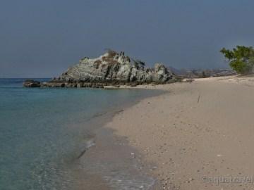 Bidadari ostrov u Floresu pláž. Exotické zájezdy