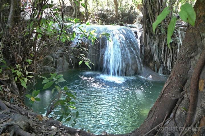 Vodopád na ostrově Moyo
