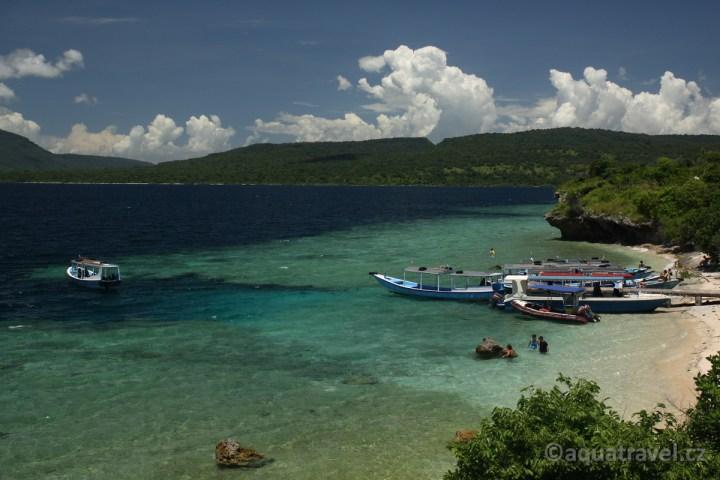 Lodě u ostrova Menjangan