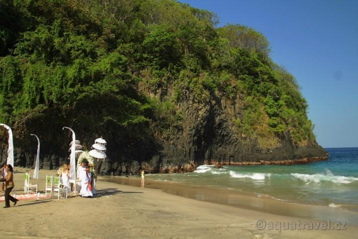 Bali svatby na bílé pláži