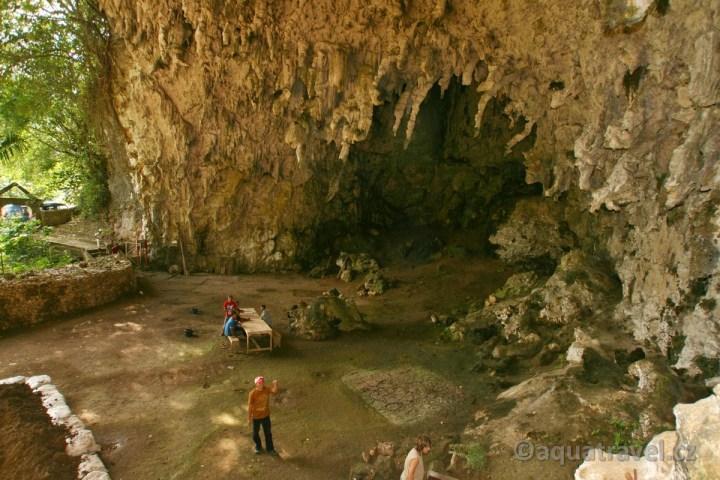 Liangbula - jeskyně objevu hobitů