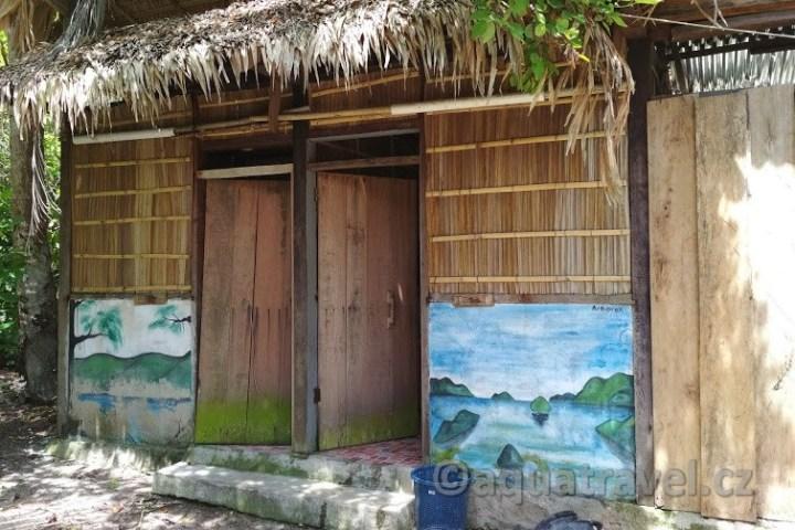 05-ubytování raja ampat wc arborek