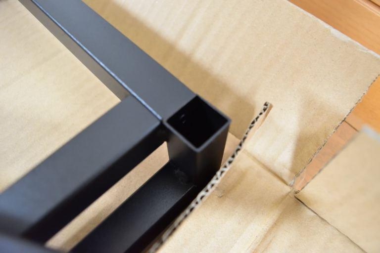 組立2段台の底板 正常な穴